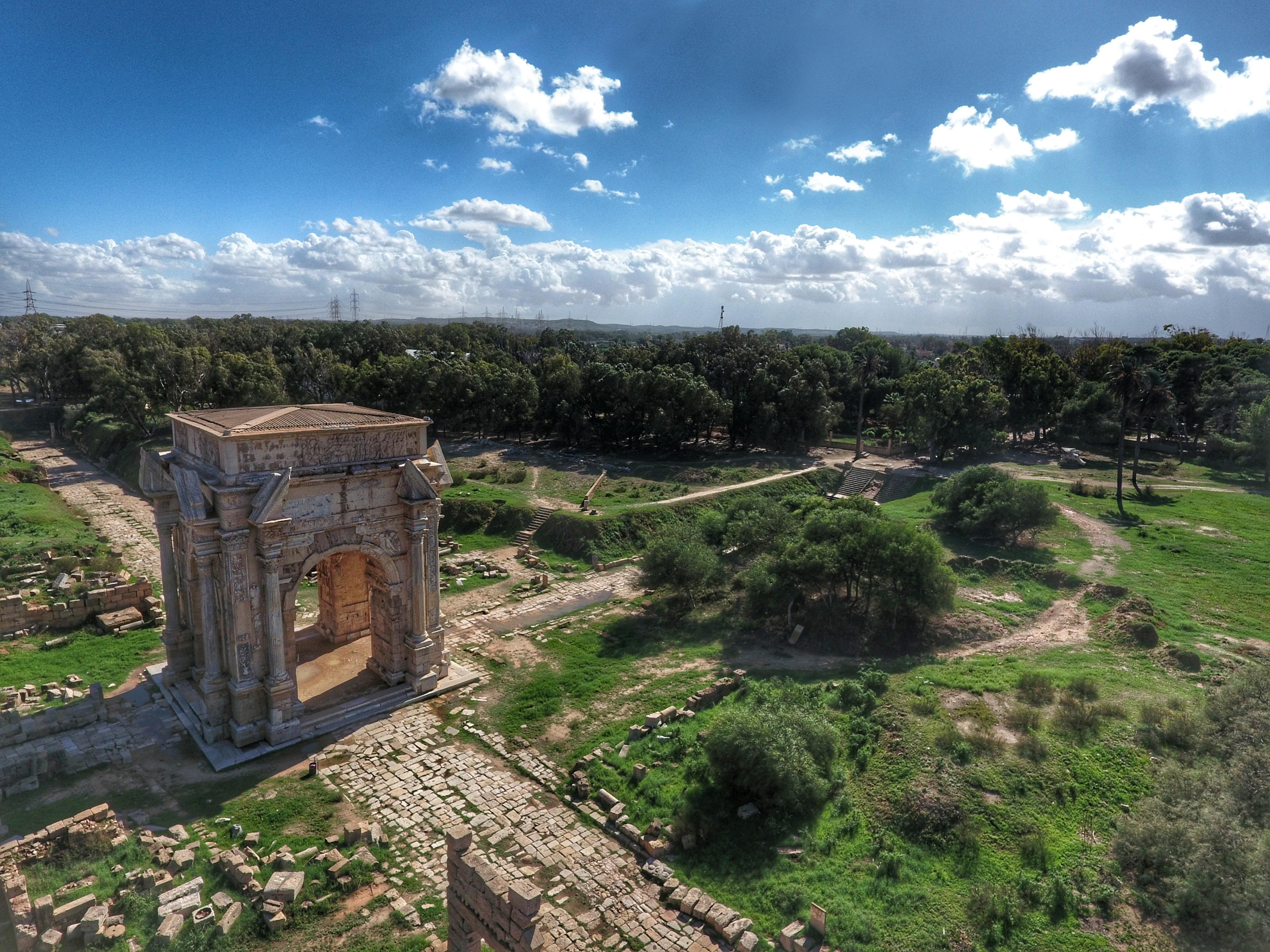 قوس النصر بمدينة لبدة الأثرية زينيت ليبيا المجهولة الثقافة